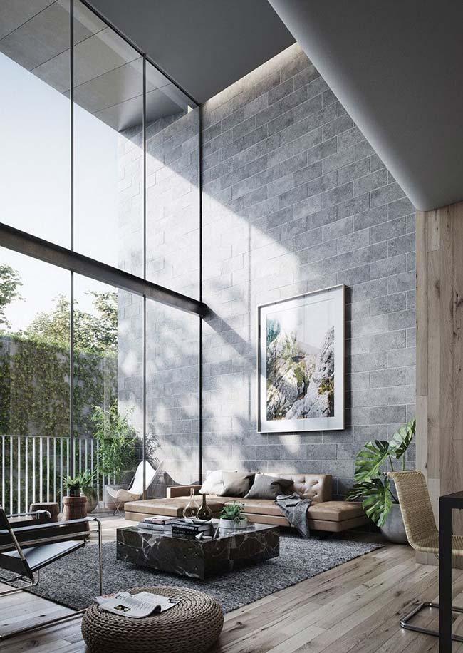 Et pour être parfaite à l'intérieur, la maison doit avoir un bon éclairage naturel et un confort somptueux
